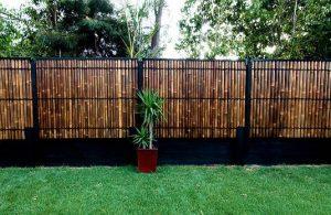 pagar rumah dengan bambu