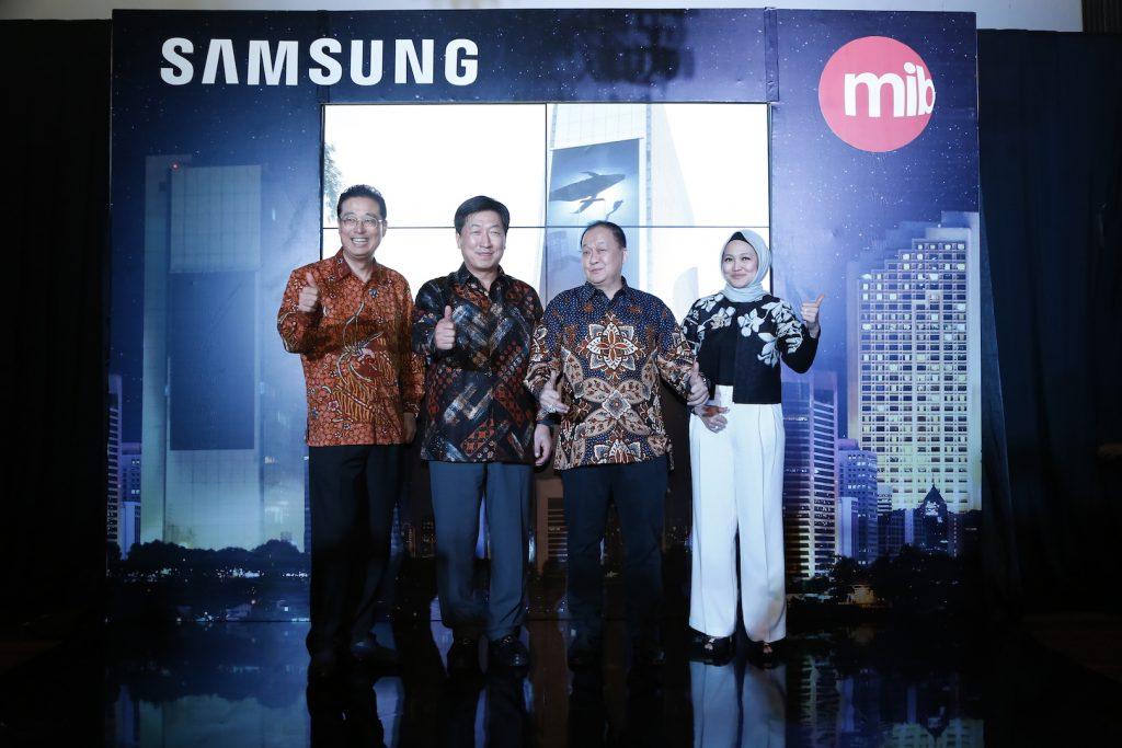 peresmian Samsung LED outdoor screen panel terbesar di Indonesia dengan ukuran 450m2